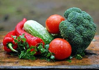 6 Ways to get children to eat vegetables